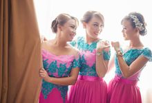 Meify Wedding - Bride & Friends Candid by Arian Photography