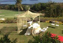 Outdoor wedding Reception by Loi Floral Sense by Serge Igonia