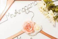 Couple Wire Hanger by Tinythings
