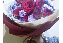 Hand Bouquet Gift by Se Leva Florist