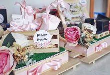 Gift Trays by Fleurs By Spoleczny