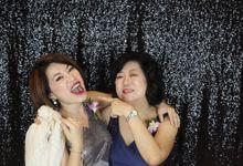 Hong Leong & May Yenn by Mr.Magic Photobooth
