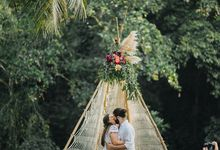 Alex and Austin Destination Wedding in Bali by Terralogical
