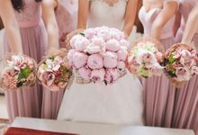 Entourage Flowers by Natural Art Flowers and Decors