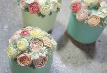 Wedding cakes by Delectable By Su