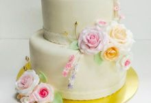 Dainty Sweet Floral Cakes by The Delights Heaven