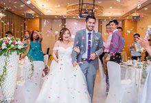 Wedding at Hilton  by GrizzyPix Photography