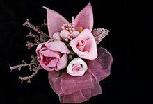 Boutonniere & Corsage by Bloom 'n Kroone