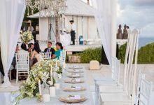 White and Gold Wedding at Plenilunio by Flora Botanica Designs