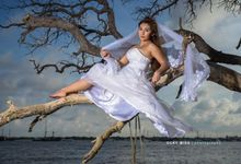 Epic bridal shot by Ocky Misa photography