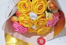 Satin roses bouquet for sweet moment in life by Little rosebud