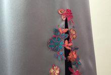 Peranakan style cheongsam by Kelly's Bridals