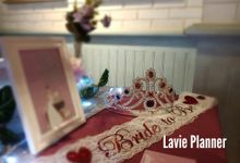 Bridal shower table decor by Lavie Planner