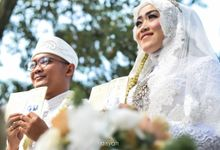 Wedding Day Of Ulfa & Budi by A Story