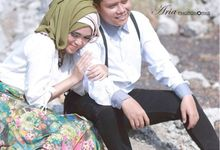 Prewedding Of Desy And Wahyu by Ariaphotoworks