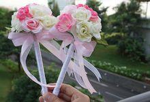 Wedding bouquet , boutonniere and corsage by tukki wedding stuff