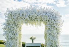 Truly Timeless White Wedding by WiB flowers