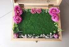 Big wooden box by Le Fleur Bouquet