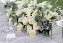 Simplicity in White at Alila Seminyak by Flora Botanica Designs