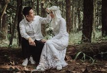 Winda & Brian couple session by Bobby Py