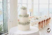 The Wedding Cake of Rini & Jaenes by Creme de la Creme Bali