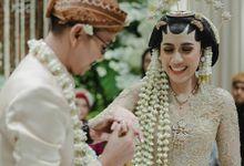 Wedding Kurnia zulfius syukri & Ira kusuma wijayanti by VAIA