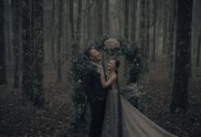 PRE - WEDDING EDWIN & YOMEDIKA BY RIO YAPARI by All Seasons Photo