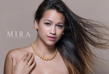 Golden South Sea Pearls by MIRA South Sea Pearls