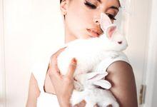 Pretty in White by Priyo Oktaviano