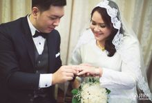 Wedding Actual Day & Pre Wedding by Jovial Photography