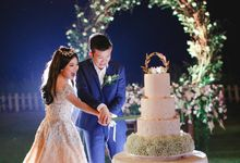 The heartwarming and romantic Michelle & Sean wedding at Ayana resort Bali by Varawedding