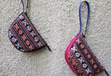 Half moon pouch by Indhe