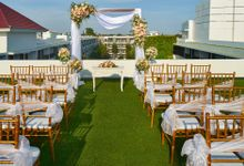 Rooftop Wedding by Courtyard by Marriott Bali Seminyak