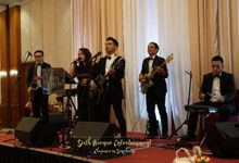 Red Top Hotel Wedding by Sixth Avenue Entertainment