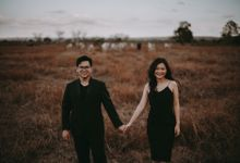 Anton & Cynthia Elopement Session by Chroma Pictures