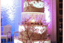 Make Your Once In A Lifetime Day Different With Us! by EIFFEL CAKE