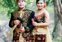 Engagement Gustu & Silka by wijayassphoto