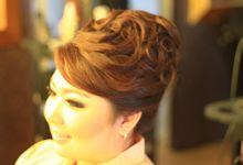 Iin Makeup & hairdo by Iin Makeup & hairdo