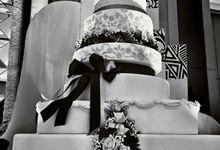 Wedding cake by Patisserie des Merveilles by Patisserie des Merveilles