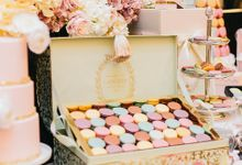 Luxurious floral wedding by Winifred Kristé Cake