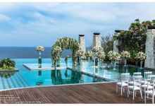 Floating Stage at Banyan Tree Ungasan by Bali-stage.com