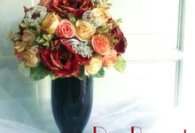 Gold and Glam Bridal Bouquet by Roy Bouquet