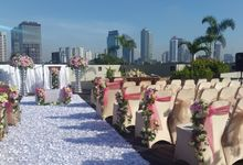Weddings at our Rooftop Pool by Royal Kuningan Jakarta