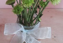 Flower in the jar by Se Leva Florist