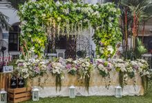 Wedding of Christian & Colleen by Apple Blooms Creation