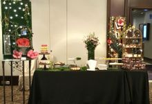 Dessert Table Showcase at Rendezvous Hotel Singapore by LA BONNIE PASTRIES PTE. LTD.