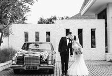 Royal Santrian Wedding by Lusi Damai Classic Car