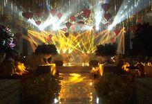 The Wedding of  Kwari & Caroline by Dyandra Convention Center Surabaya