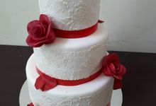 Say Yes With Res Roses by Sugaria cake