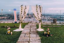 A Romantic Rooftop Garden Wedding in The Roof - Tobe & Yolanda by FLOS Gallery